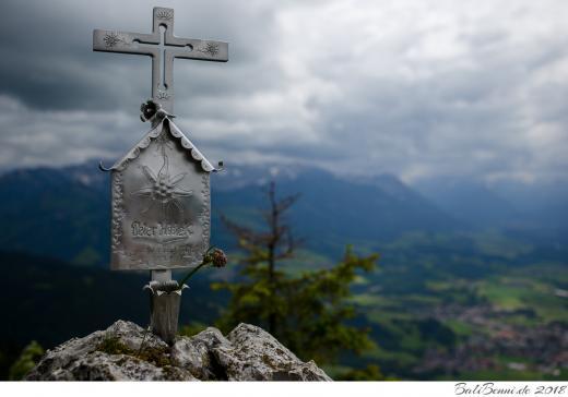 Gipfelkreuz am Burgberger Hörnle (1.496m)